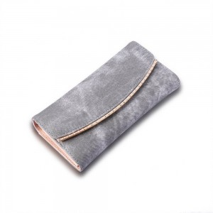 Carolina Clutch in Gray