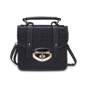 Donna Shoulder Bag in Black