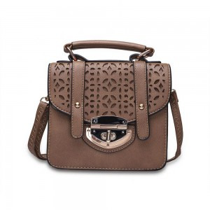 Donna Shoulder Bag in Chocolate