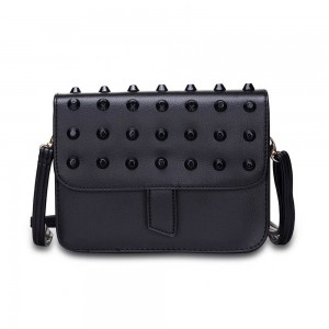 Vera Shoulder Bag in Black