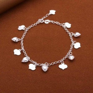 Beatrice Small Heart Charms Bracelet