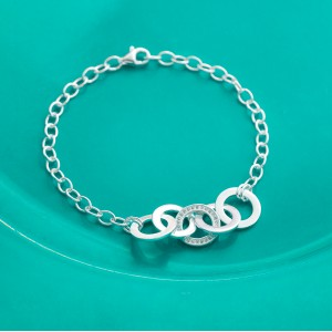 Lyca Middle Stoned Cirle 925 Silver Bracelet by Argento