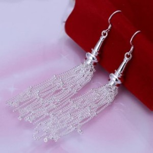Freya Dangling Earrings