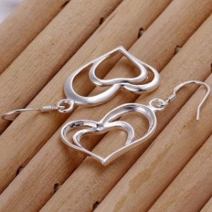 Dreya Heart Dangling Earrings
