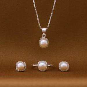 Rossette Pearl Set