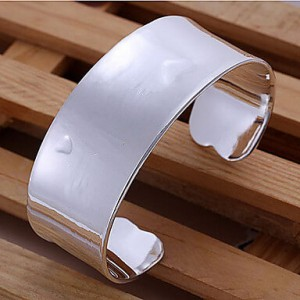 Valerie Solid Bangle