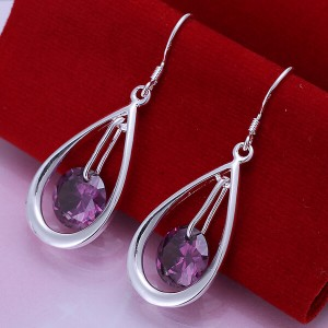 Violeta Dangling Earrings