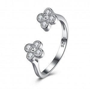 CARsandra Flower Adjustable Ring