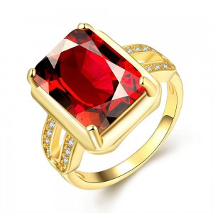 Darcelle 18K Gold Plated Ring