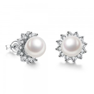 Itzel Pearl Platinum Plated Earrings